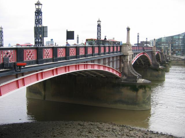 Lambeth Bridge.jpg